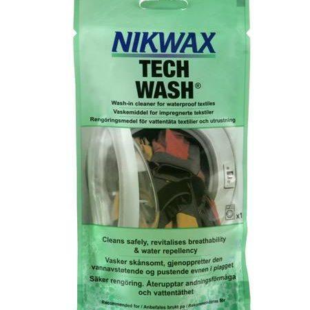 Tech wash pouch